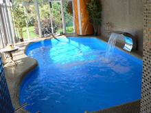 недорогое остекление бассейнов