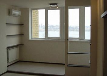 зал с балконом