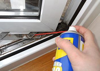 смазка механизма открывания окна