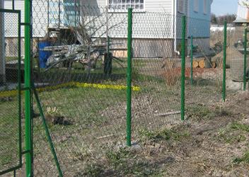 сетка рабица на заборе