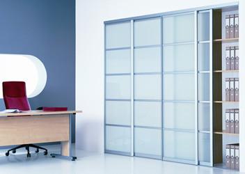 недорогие стеклянные шкафы