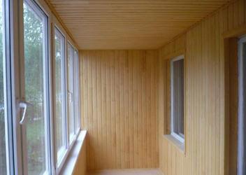 недорого обшить балкон внутри